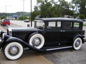 pierce-arrow-4-door-sedan-05